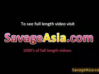 Seksualu azijietiškas paauglys stripping