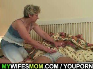 Zijn vrouw finds hem rammen mother-in-law!