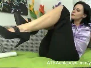 волохаті кицьки, мастурбація, дамська білизна