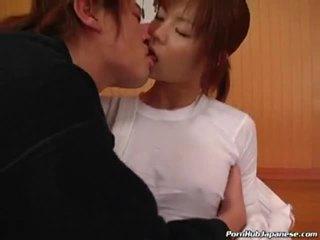 Desagradable japonesa guarra follando y chupando