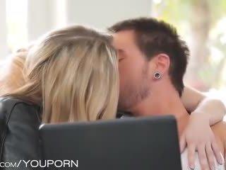 remaja, mencium