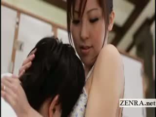 Голям бюст японки sultress harumi asano has цици suckled