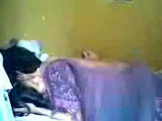 Индонезийски romantic тийн двойка правя любов в спалня