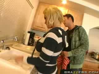 Hot ibu rumah tangga mbeling!