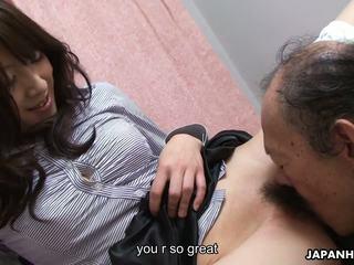 古い 男 ある eating その ぬれた 毛深い ティーン プッシー アップ: 高解像度の ポルノの 41