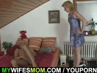 Hij gets pleased door mother-in-law