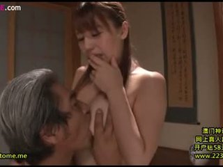 Daughter-in-law 取 關懷 father-in-law 12
