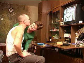 Anya catches fiú nézés pornó orosz