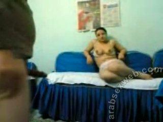 Egipskie pieprzenie na blue couch-asw417