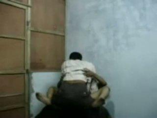 Bangla raand blackmailing haar klant voor seks
