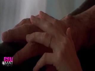 성욕을 자극하는 공연 주위에 angelina jolie