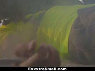 Exxxtrasmall - কামাসক্ত বালিকা হার্ডকোর দ্বারা mechanic