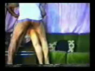 古い arab guy fucks 妻 ビデオ