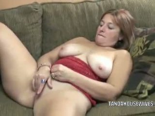 Liisa is finger banging her plump pussy