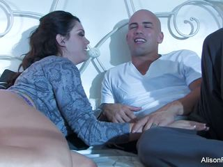 Đẹp alison tyler gets banged trong giường