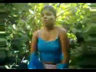 Desi meisje geneukt twice in oerwoud