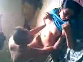 Desi kaimas mergaitė gauti pakliuvom iki lover paslėptas