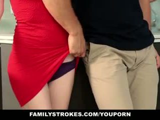 Familystrokes - steg sister sucks och fucks bror under thanksgiving dinner