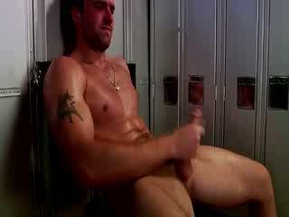 Handsome muscular jock мастурбиране
