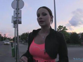 Beauty abbie gains dinheiro e gets fodido