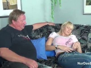 Gemuk stepdad menangkap beliau langkah anak perempuan dan fuck beliau faraj - lebih pada hotcamgirls24.com