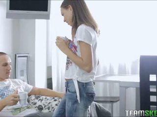 দাম্ভিক বালিকা goddess fucks তার boyfriend সময় tea সময়