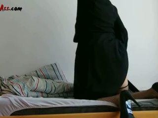 Niqab anale solo në divan