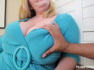 Vollbusig bbw milf tiffany blake loves dunkel schwanz - porno video 731