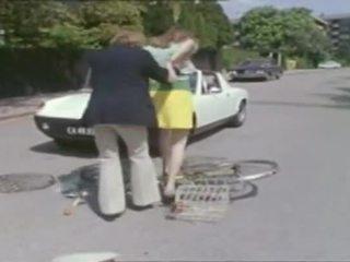 Clásico - bike chica cc pechugona adolescente caliente joder