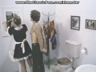 Klasik porno adegan di sebuah kamar mandi