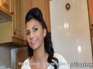 Чешки момиче picked нагоре и pounded в exchange за пари