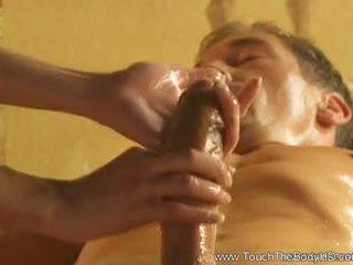 Owadan blondinka betje eje massaž