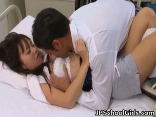 hardcore sex, dideli papai, jauni mažai azijiečių