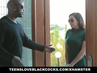 Грудаста karlee grey worships неймовірно величезний чорна пеніс: безкоштовно порно 6d