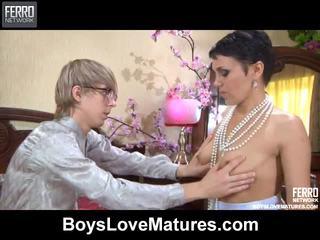 Mieszać z vids przez boys miłość dojrzewa