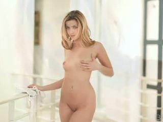 kesenangan hardcore sex, oral seks, rated mengisap cock