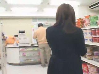 นมโต ญี่ปุ่น hitomi tanaka has เพศ ใน the ร้านขายของ