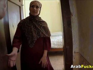 I varfër arab vajzë desperate për para në dorë sucks dhe fucks