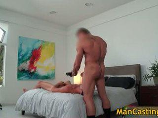 Sexy étalon mike sucks jizzster et gets