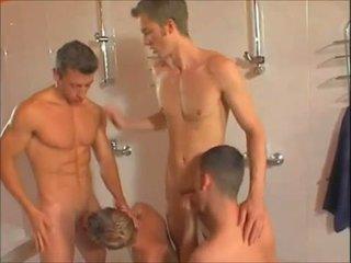 Gorące gej showers orgia